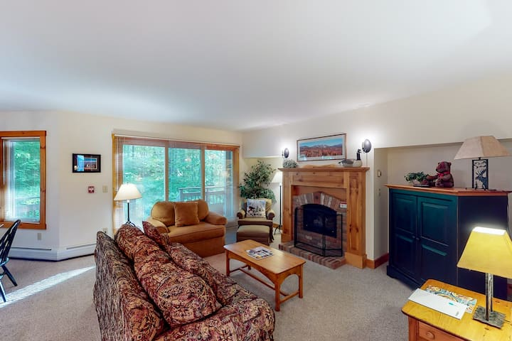 New listing! Walk to lifts, Pump House Waterpark, golf course & much more!