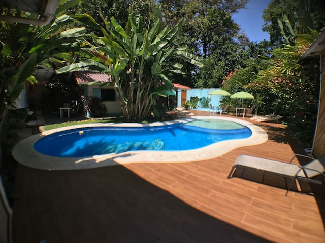 4 bedroom house with 2 shared pools
