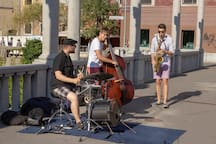 The Cobblers Bridge is fameous for its amazing street performances - even the recognized and known misicians can still be found there every once in a while, just playing for joy. 5 minutes from the apartment.