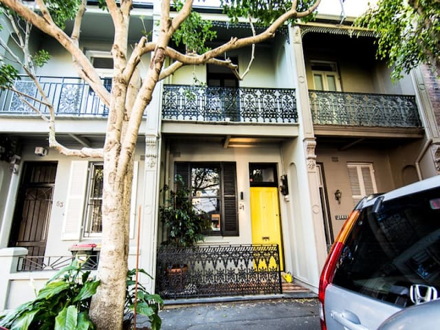 Beautiful Surry Hills 2 bed period house - Surry Hills - Casa