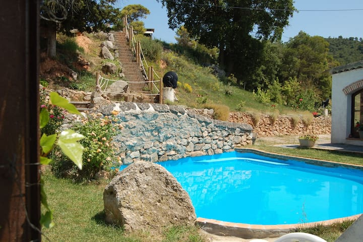 Holiday home on a typical Catalan farm with small communal swimming pool