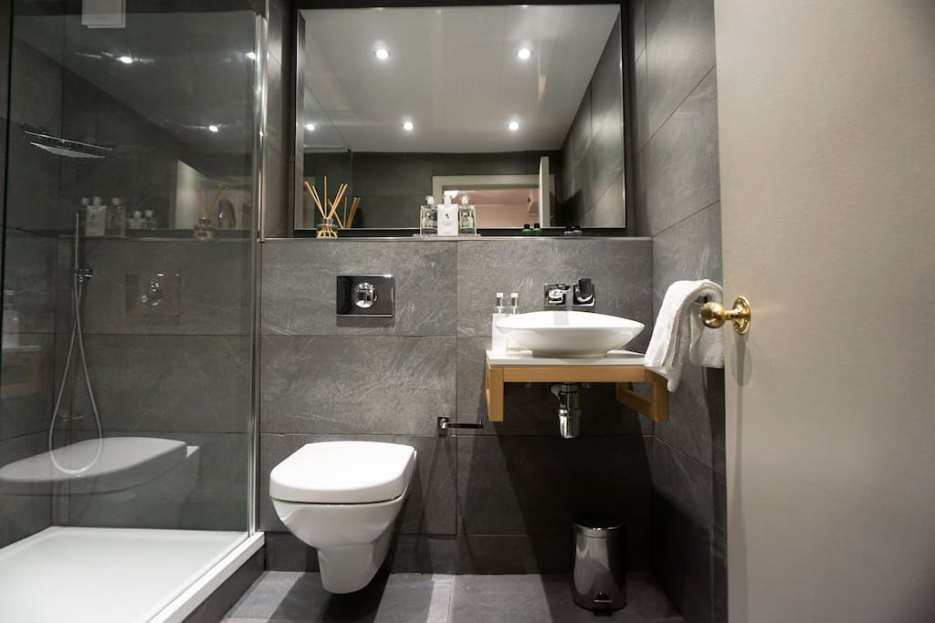 Villeroy and Boch Suite with the finest