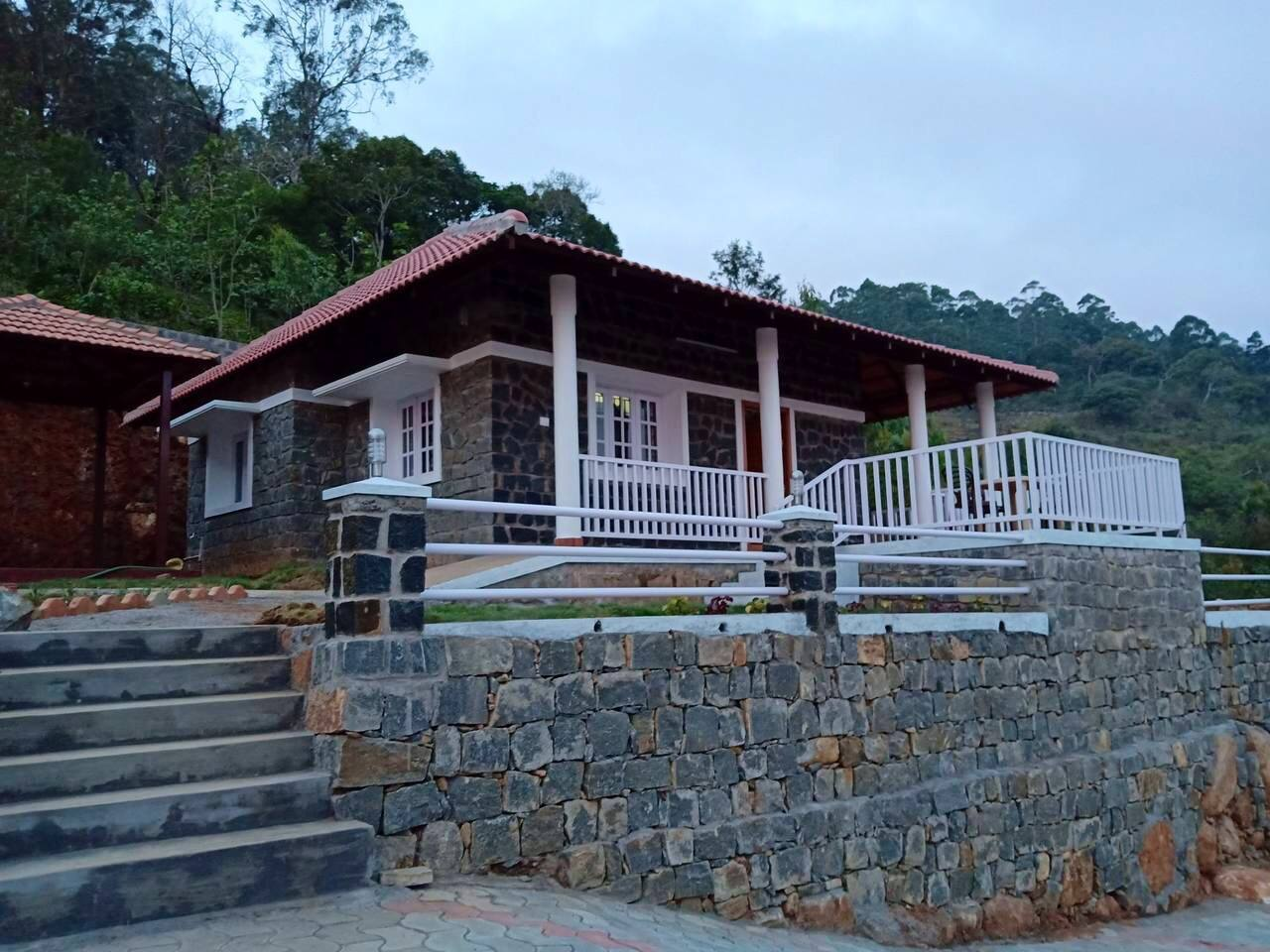 Front view of annexe