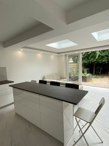 Fully renovated bright house with garden and BBQ!
