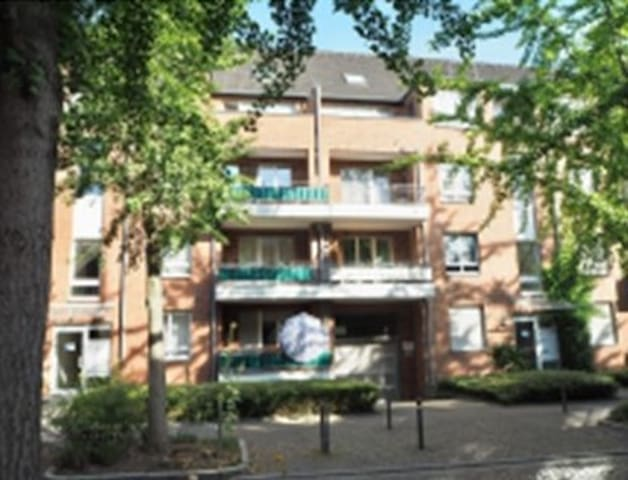 SingleApartment Neuss City -20 min. to DUS or CGN