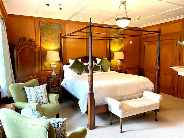 The Latch Inn - Maclure Suite