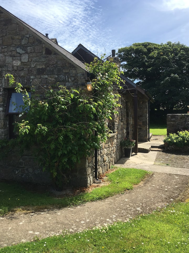 The Malt House Cottage 2 miles from Newgale beach