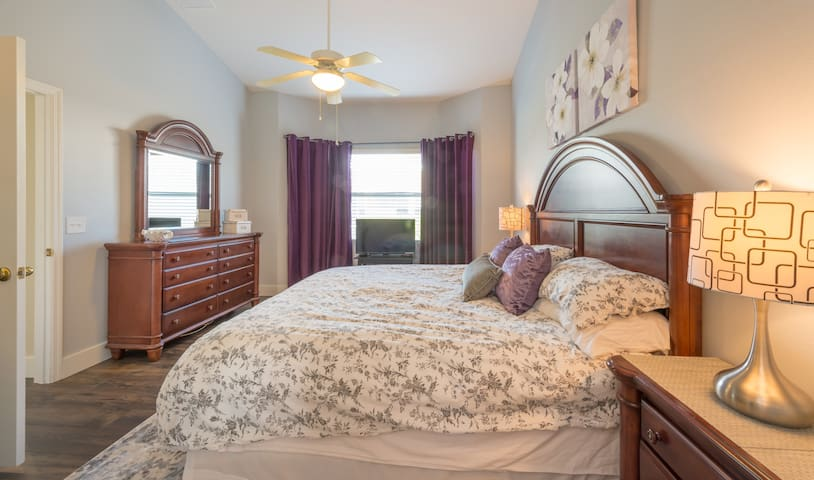 Spacious master with King bed, ensuite and flatscreen HD TV
