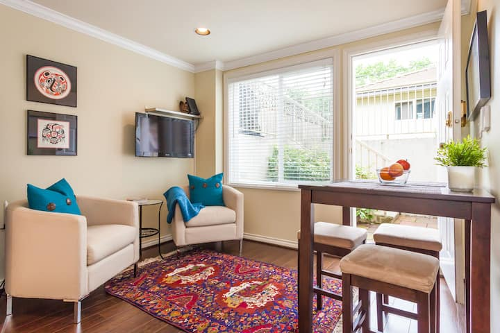 Kits Keep: Beautiful 1 Bedroom Suite in Kitsilano!