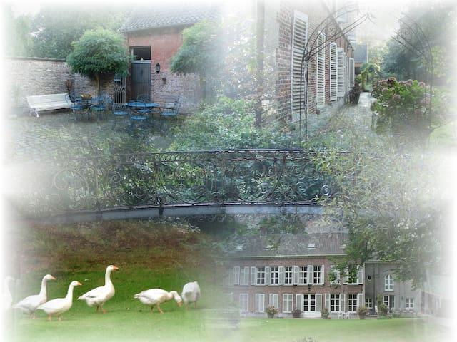 EREMYTEN HOF  B&Bhotel - Evergem