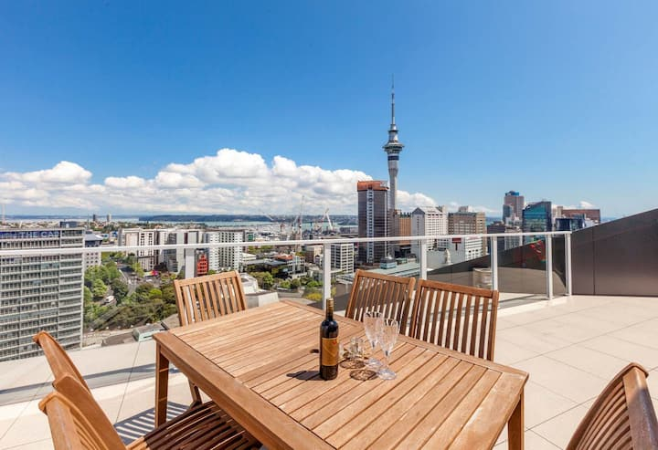 Penthouse on the top of Auckland CBD
