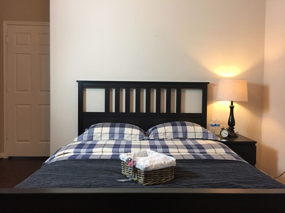1 queen bed and night stand