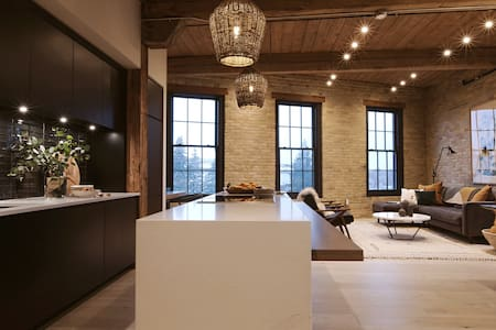 Bradshaw - Heritage Restoration Penthouse Loft