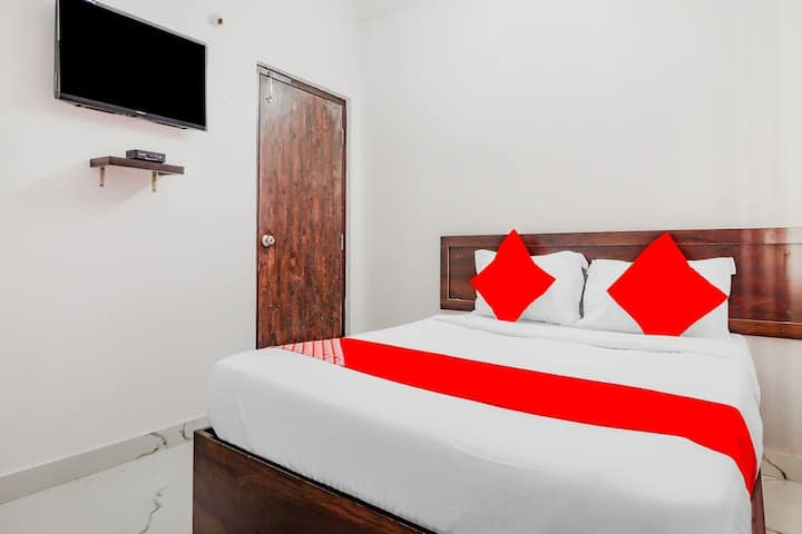Couple Friendly Rooms at Kondapur