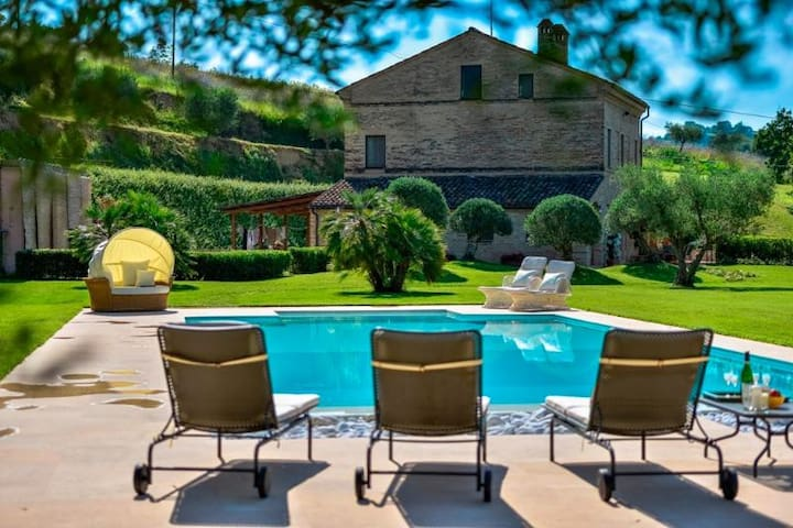 Exclusive Luxury Villa - Mogliano - Villa