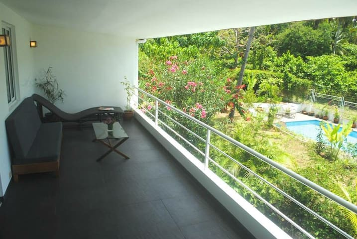 M3/M4:Stylish Apt near Dumaguete w/swimming pool