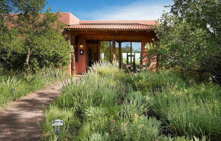 Blue Lake Ranch's Oak Casita, Daily Breakfast, No deposit, No Cleaning Fees!