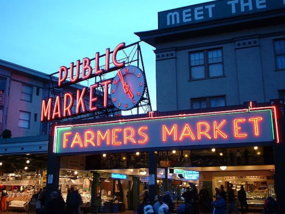 Less than 5 min walk to Pike Place Market