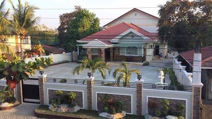9 Bedroom Modern Guesthouse in Lingayen Pangasinan