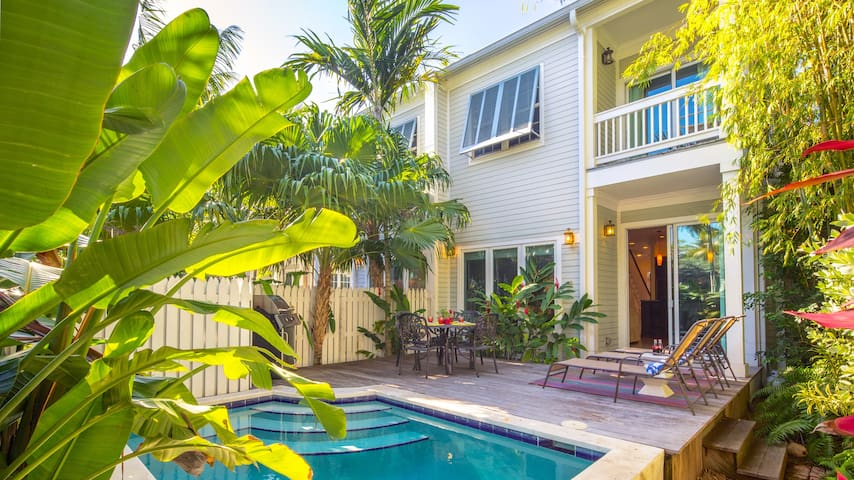 **THE CONTENTED CRANE @ OLD TOWN** Home & Pool Near Duval + LAST KEY SERVICES...