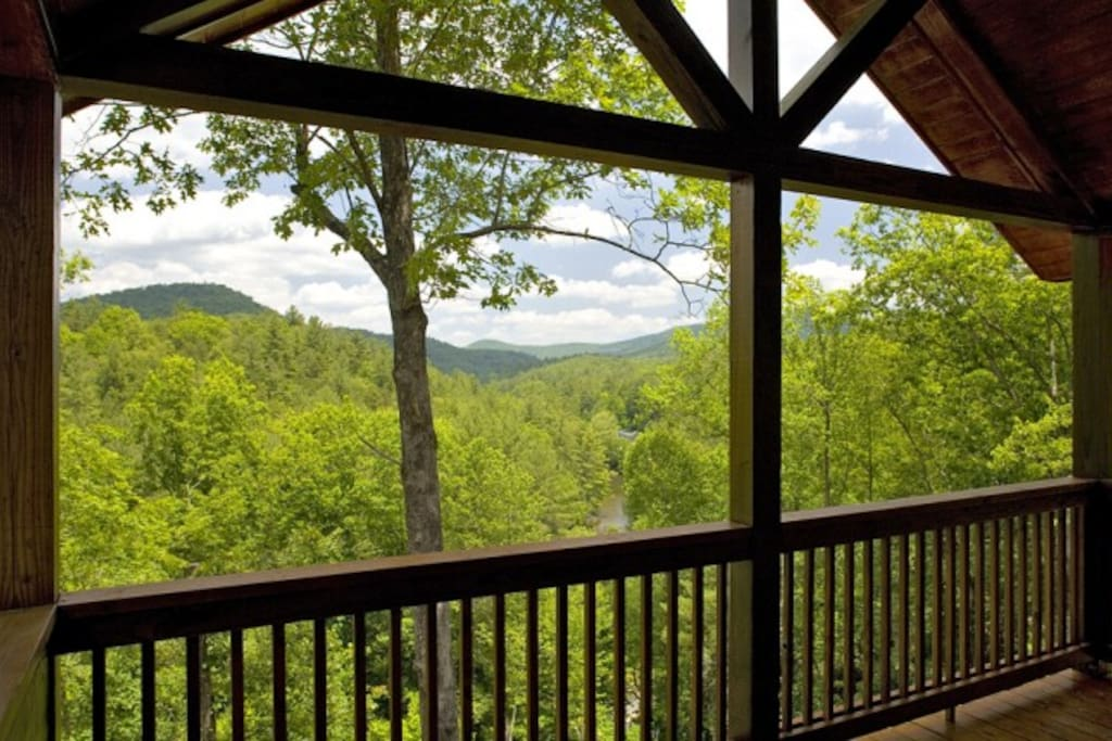 Covered Porch Overlooking the Rich Mountain Wilderness & Beautiful Toccoa River