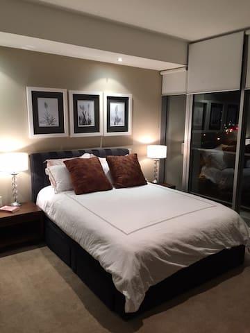 Modern Riverside Apartment - Hamilton - Apartament