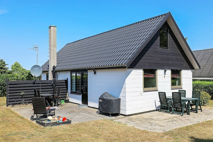 Rustic Holiday Home in Funen with Terrace