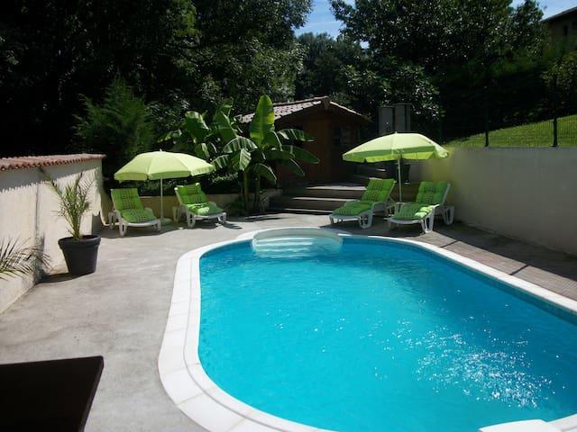 belle villa avec piscine Valencin - Valencin - Dom