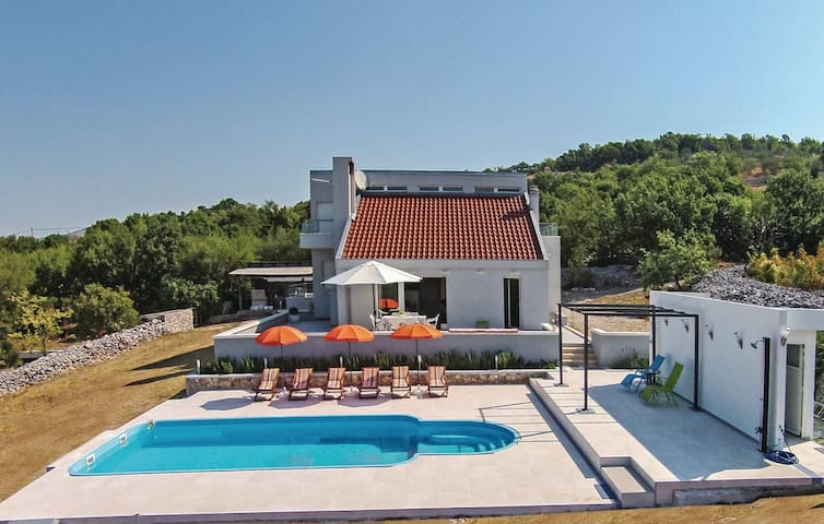LCT Relaxing holiday home*** - Lećevica - Hus