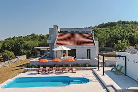 LCT Relaxing holiday home*** - Lećevica - Dom