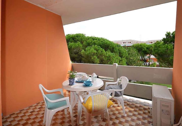 apt for 2+2 persons with a/c in Bibione R26300