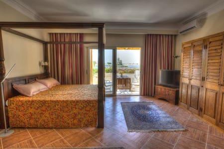 Soma Bay Scenic Apartment, Garden & Island view