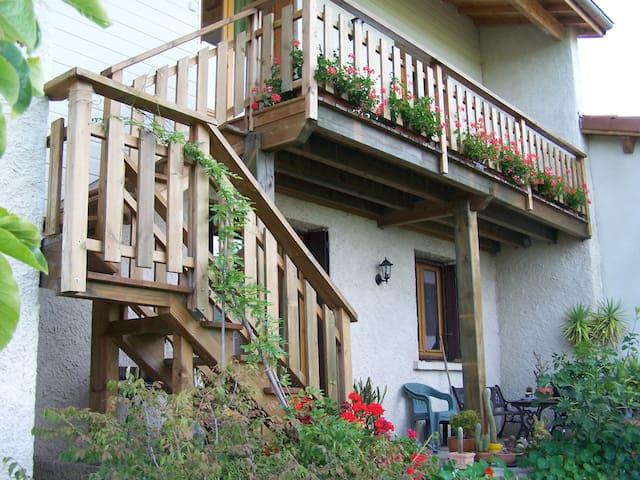 le VAL ST GEOIRE gite et jardin aromatique