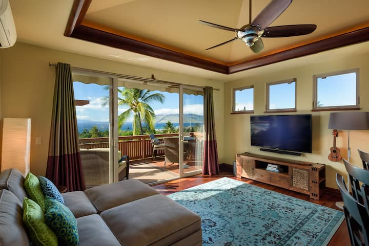 Sexy Guesthouse 180° Ocean View - Private Hot Tub!