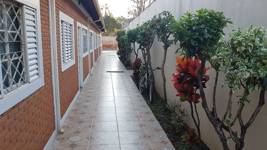 Casa com 2 quartos perto da Unesp. - Rio Claro - House