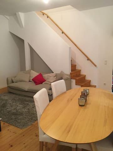 Gemütliches Zimmer in Maisonette & guter Lage