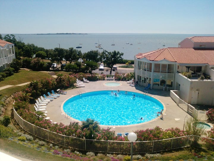 Apartment with one bedroom in Fouras, with wonderful sea view, shared pool and enclosed garden