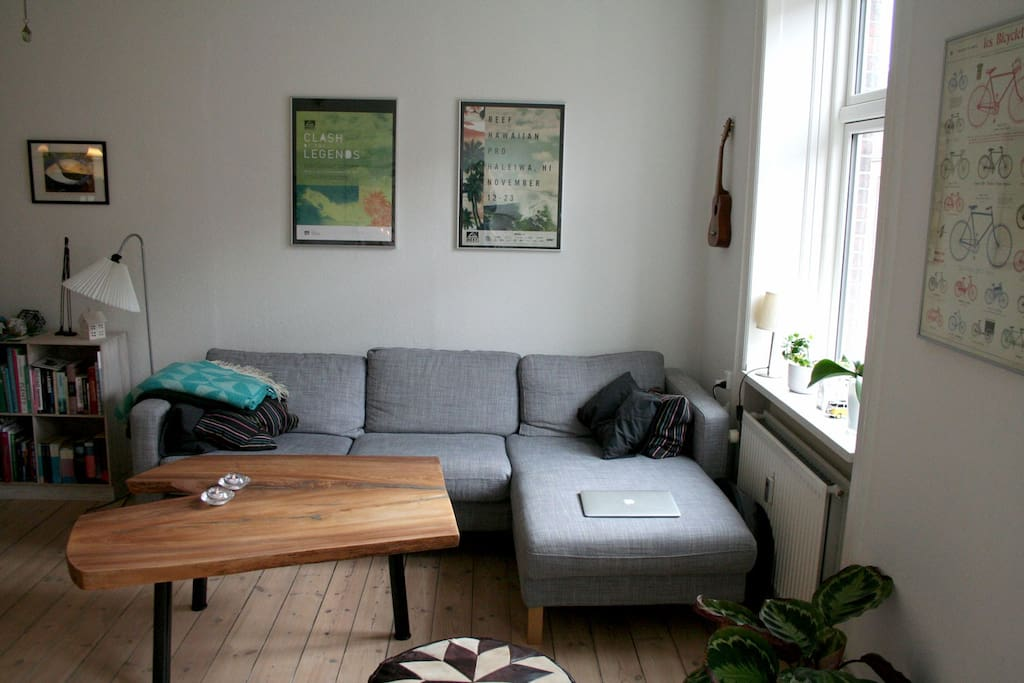 Livingroom - couch area