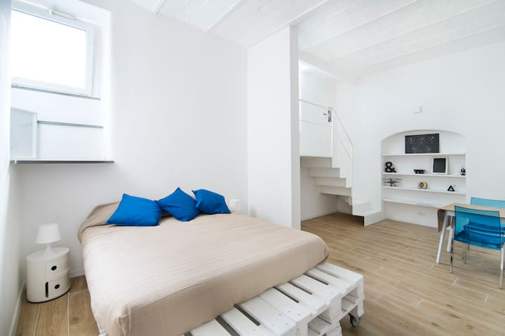 Little White Loft in San Lorenzo Rome - Rome - Appartement