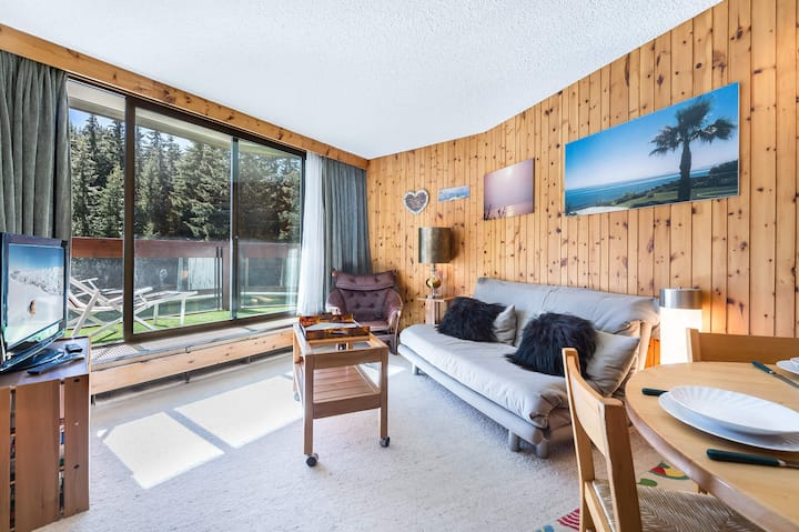 Jardin Alpin 102 : Exceptional location for this apartment  South facing.