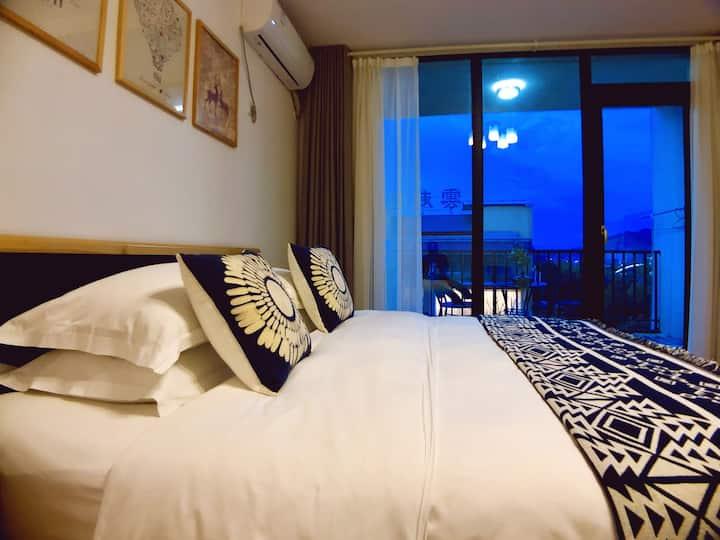〖简·约】东江湖畔别墅群/雾漫 景观阳台大床房2F
