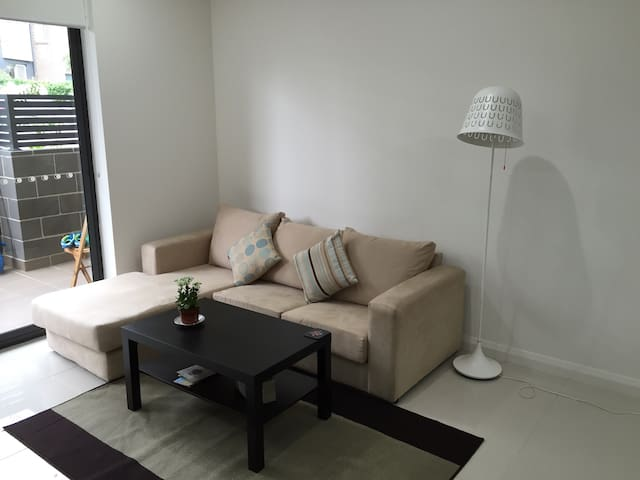 SYDNEY EntireBrand-newLoftStyleApat - Homebush - Appartement