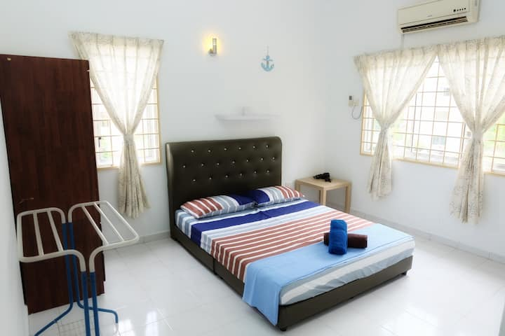 Cozy Queen Bedroom | Central Park | Seremban 2