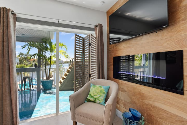 Latitude 26 Boutique Resort (Waterfront Studio)