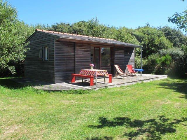 Petite maison en bois au calme - Pont-l'Abbé - Casa