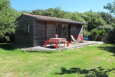 Petite maison en bois au calme - Pont-l'Abbé