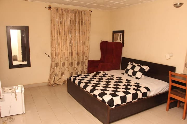 Sapphire Guest House-Executive Room