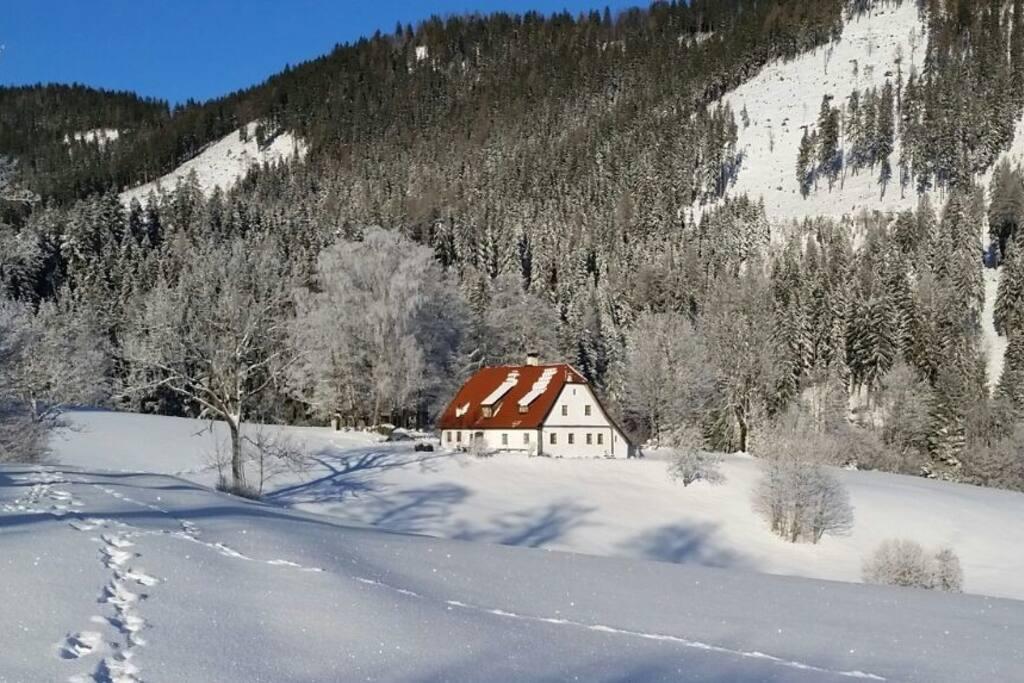 Ihr Ferienhaus mit 4 Schlafzimmern, 2 Salons und 2 Skigebieten in 18 KM Umkreis.