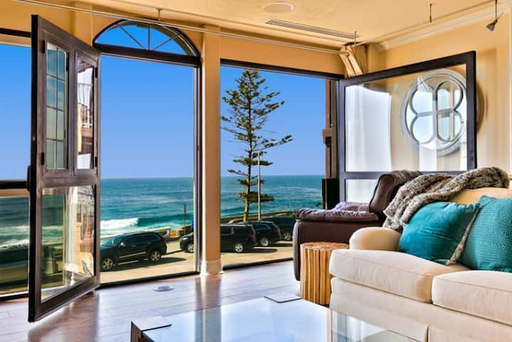 15% OFF DEC - Elegant Oceanfront Home in La Jolla Village w/ Spa