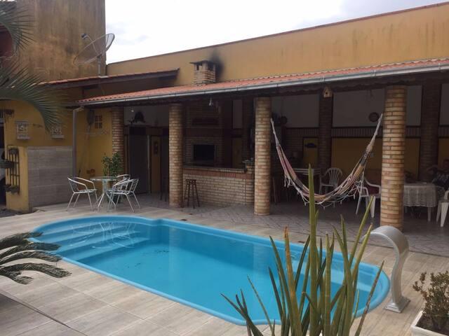 Casa 5 quartos com piscina próxima ao Beto Carrero